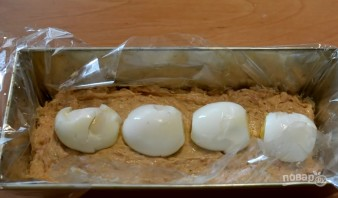 Мясной хлебец с яйцами - фото шаг 4