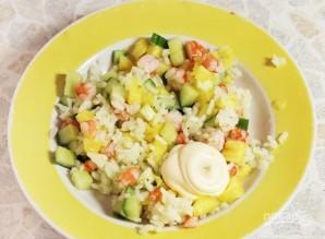 Салат с креветками и рисом - фото шаг 3