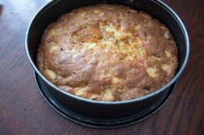 Яблочный пирог с изюмом - фото шаг 10