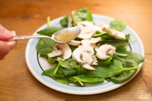 Салат со свежим шпинатом - фото шаг 5