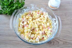 Салат с крабовыми палочками и ананасом - фото шаг 6