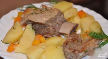 Тушеная картошка с ребрышками - фото шаг 8