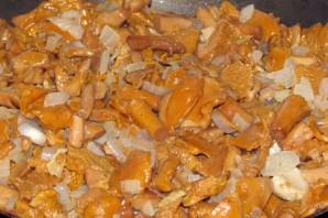 Лисички в сметанном соусе - фото шаг 4