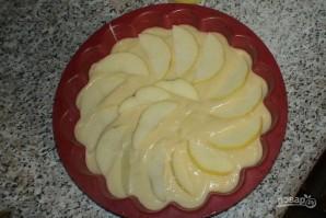 Очень вкусная шарлотка с яблоками - фото шаг 5