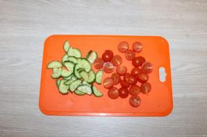Салат с куриной грудкой и помидорами - фото шаг 2