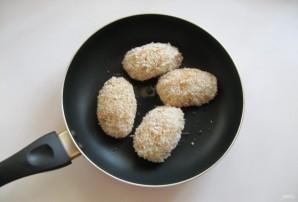 Куриные зразы с сыром и яйцом - фото шаг 8