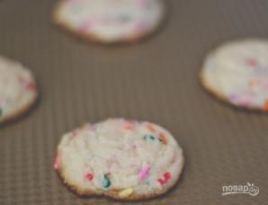 Печенье с кондитерской посыпкой - фото шаг 3
