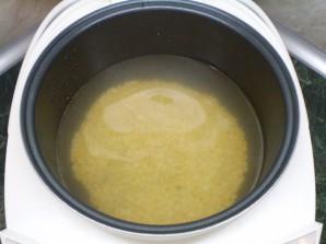 Гороховый суп с копченостями в мультиварке - фото шаг 3