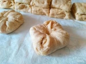 Сдобные булочки, прослоенные штрейзельной крошкой - фото шаг 14