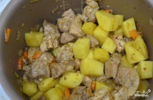 Картошка со свининой в мультиварке Редмонд - фото шаг 5