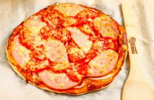 Пицца с колбасой из слоеного теста - фото шаг 7