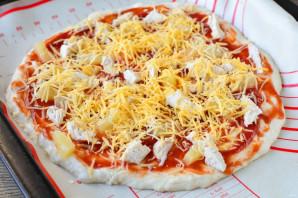 Гавайская пицца с ананасами и курицей - фото шаг 12
