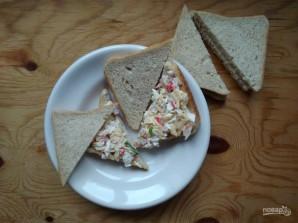 Сэндвичи с крабовыми палочками - фото шаг 6