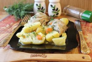 Куриные бедра с картофелем в мультиварке - фото шаг 8