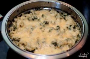 Макароны со шпинатом под сыром - фото шаг 6
