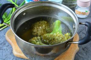Салат с брокколи и редисом