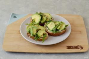 Бутерброд с авокадо - фото шаг 6