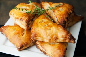 Пирог с лисичками и беконом - фото шаг 10