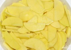 Скумбрия в духовке с картофелем - фото шаг 4