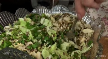 Хрустящий салат с мивиной - фото шаг 2