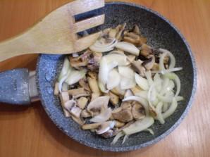 Салат с горошком и грибами - фото шаг 2