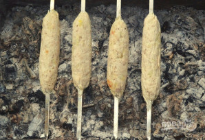 Люля-кебаб из курицы на мангале - фото шаг 10
