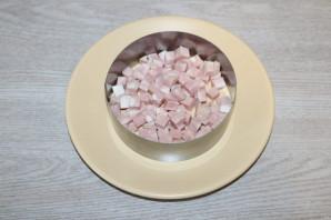 Слоёный салат с жаренными шампиньонами - фото шаг 5