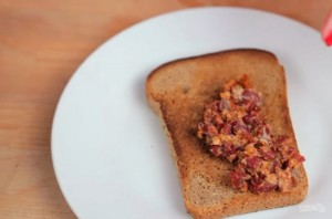 Сытный бутерброд с авокадо - фото шаг 2
