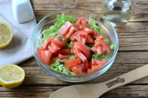 Салат из пекинской капусты и помидоров - фото шаг 4