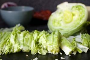 Салат с нутом и колбасой - фото шаг 7