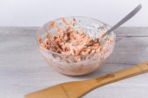 Салат с морковью и хреном - фото шаг 5