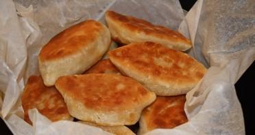 Дрожжевые пирожки на сковороде - фото шаг 4