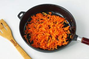 Салат с курицей и кириешками - фото шаг 2