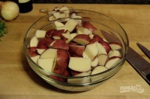 Запеченный картофель с чесноком и розмарином - фото шаг 1