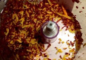 Салат с морковью и кедровыми орешками - фото шаг 2