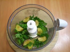 Зеленый коктейль с петрушкой - фото шаг 3