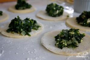 Пирожки со шпинатом и сыром Фета - фото шаг 4
