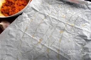 Морковный рулет с сырной начинкой - фото шаг 5