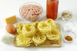 Тальятелле под сыром в томатном соусе - фото шаг 1