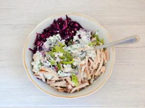 Салат с курицей, капустой и болгарским перцем - фото шаг 6