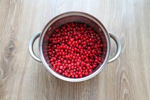 Варенье из клубники с красной смородиной на зиму - фото шаг 3