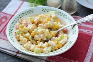 Крабовый салат с яблоками и кукурузой - фото шаг 7