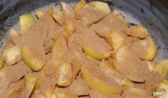 Цветаевская шарлотка с яблоками - фото шаг 1