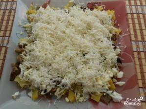Cалат с жареными грибами и сыром   - фото шаг 4