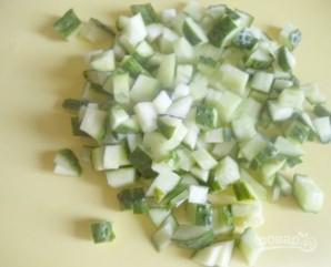 Салат с крабовыми палочками и морковью по-корейски - фото шаг 2