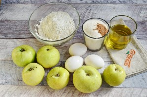 Яблочный пирог мокрый - фото шаг 1