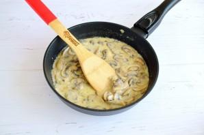 Тефтели в грибном соусе под сыром - фото шаг 7