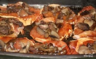 Грибы со свининой в духовке - фото шаг 5