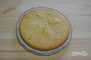 Бисквит на кефире с вареньем - фото шаг 11