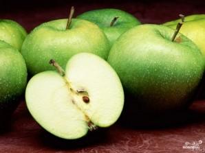 Шарлотка с яблоками на кефире - фото шаг 4